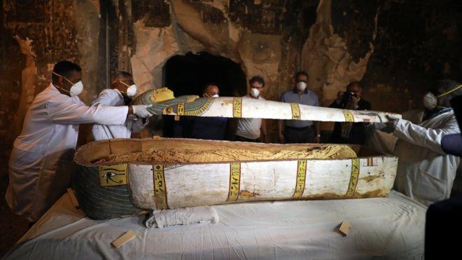 В Египте обнаружили 3500-летнюю гробницу с мумиями