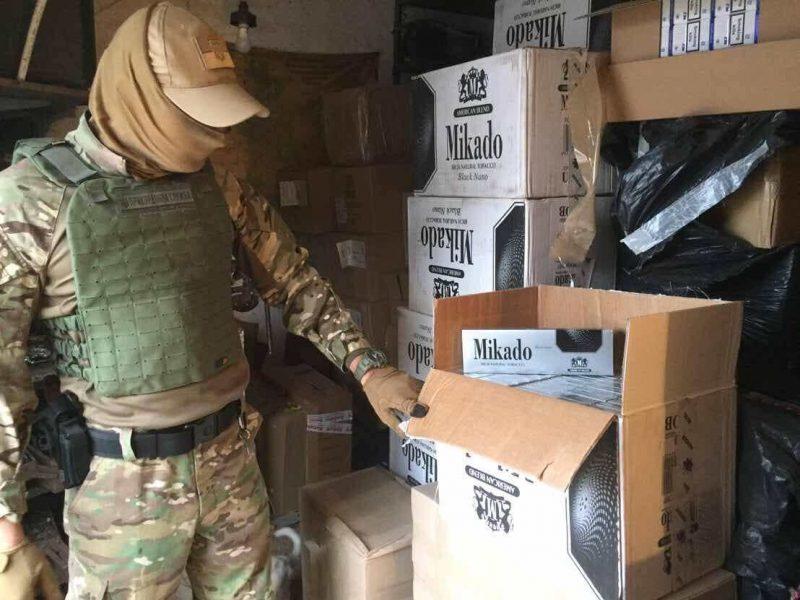 На Николаевщине пограничники с фискалами выявили 457 тысяч пачек сигарет на 12 миллионов гривен