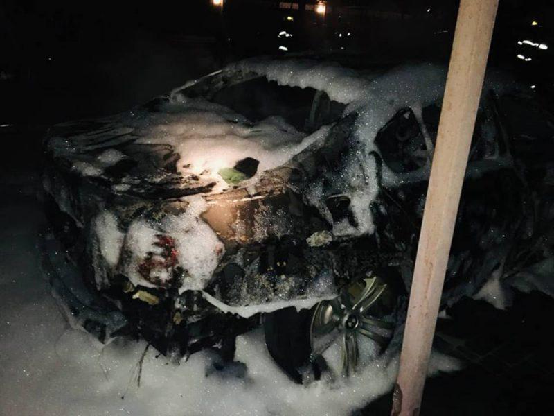 Ни ночи без огня? Снова в Николаеве сгорел автомобиль. А могли сгореть еще два