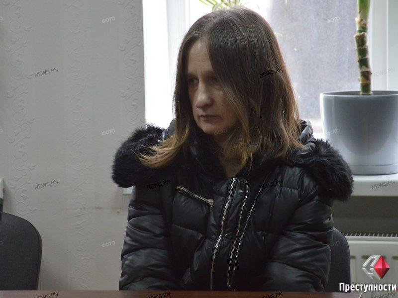 В Николаеве приступили к суду над матерью, которая бросила своего ребенка с моста. Она настаивает, что выпустила его случайно
