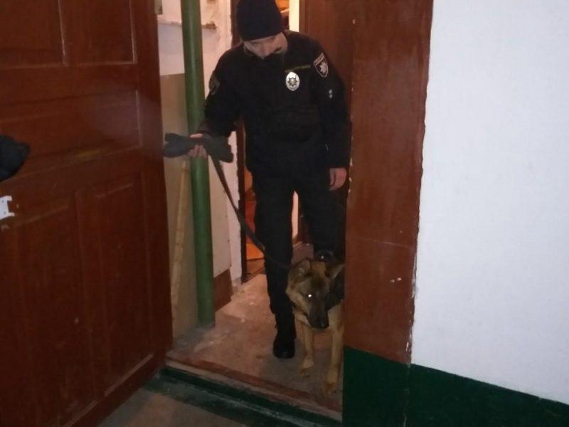 В одной из квартир Николаева найдено бездыханное тело пенсионерки с ножевыми ранениями