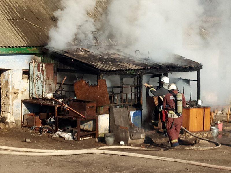 За вчерашний день спасатели на Николаевщине потушили 7 пожаров – в Николаеве от верной смерти в дыму спасли двух бездомных