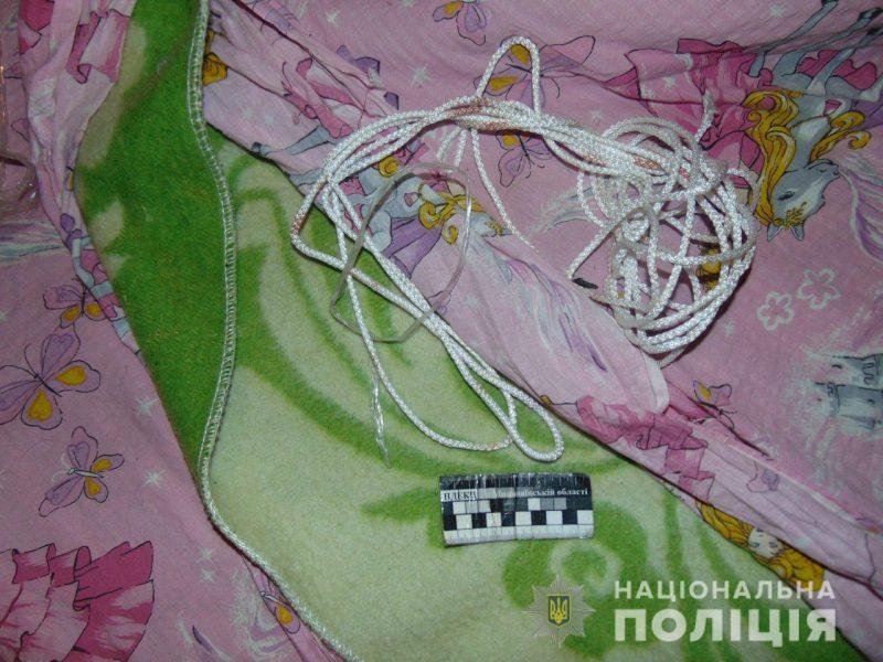 Снова разбой в Вознесенске: двое грабителей в масках ворвались в дом, связали хозяев и забрали деньги и драгоценности