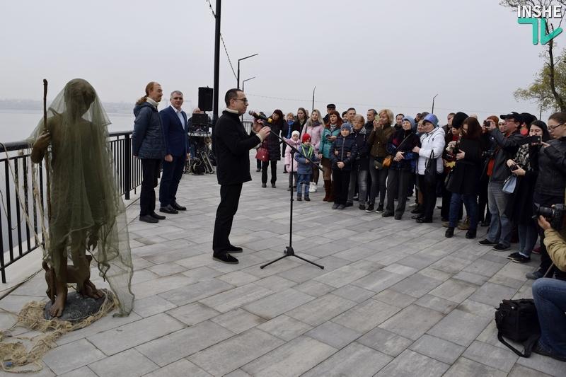 «Воплощение города Николаева»: на «8 причале» официально открыт «Мальчик с бычками» 1