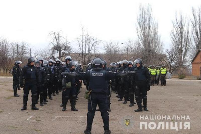 В Николаеве полицейские и нацгвардейцы отработали совместные действия на случай массовых беспорядков