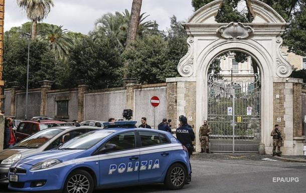 В пригороде Рима полиция захватила 8 вилл ромской  мафии, их снесут бульдозерами