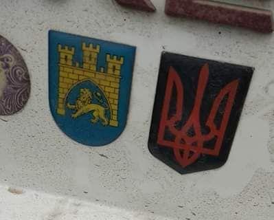 В Польше украинца задержали из-за наклейки с тризубом на авто