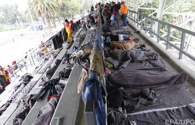 До границы США — 805 километров. Первая часть каравана мигрантов прибыла в Мехико
