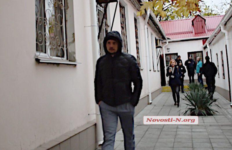 В Николаеве полиция остановила депутата на Maserati по подозрению в пьяной езде — СМИ