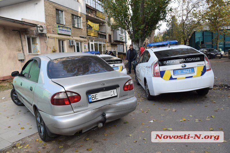 На проспекте Мира водитель «ВАЗа» протаранила три автомобиля. Полиция подозревает, что она села за руль нетрезвой