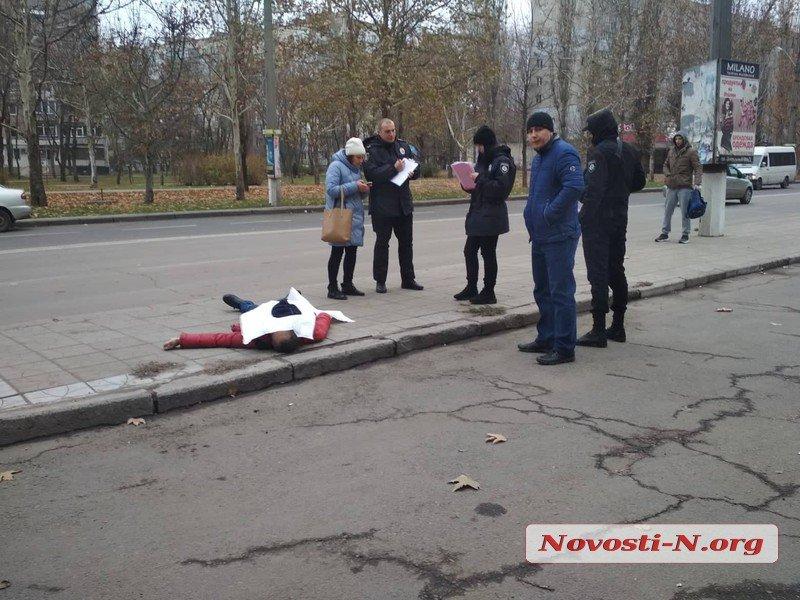 Возле николаевского железнодорожного вокзала нашли труп мужчины