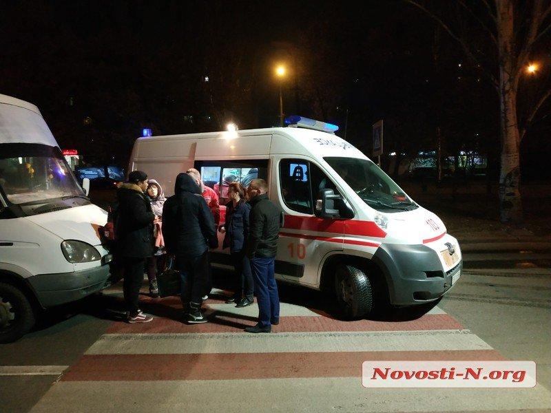 В центре Николаева столкнулись две маршрутки — пострадали 4 человека