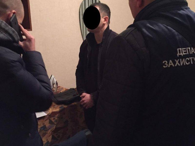 Теперь официально: задержанный на взятке в 8,5 тысяч гривен оказался главным специалистом николаевского Департамента энергоэффективности