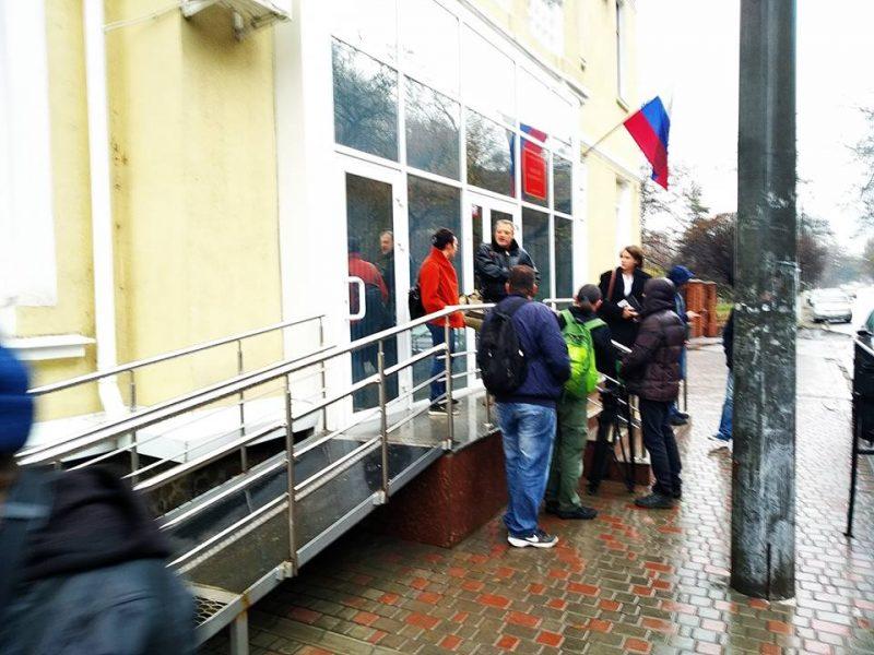 Захваченных украинских моряков везут в симферопольский «суд» — омбудсмен