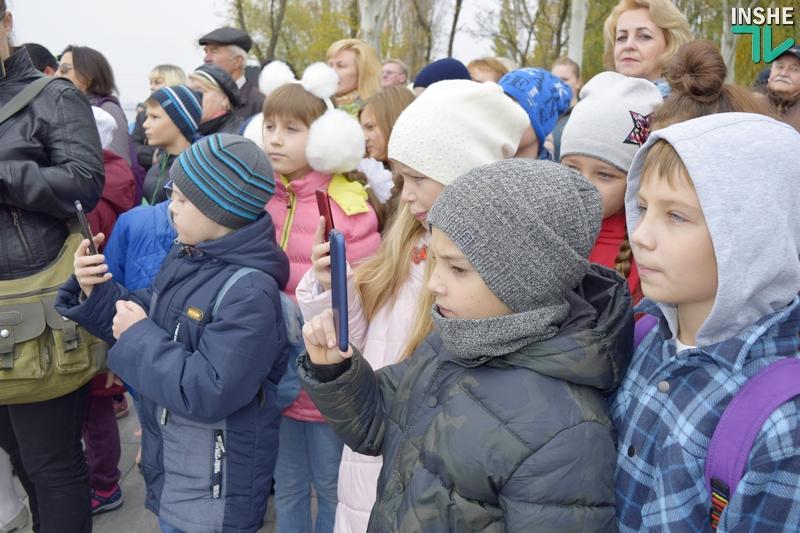 «Воплощение города Николаева»: на «8 причале» официально открыт «Мальчик с бычками» 17