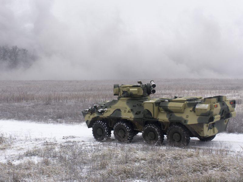"""Испытание на прочность: корпус нового БТР """"расстреляют"""" вплотную"""