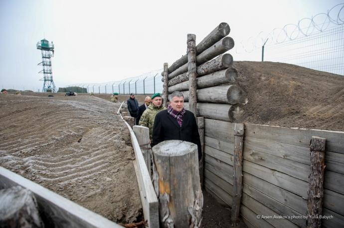 «Стена с РФ» наполовину готова. Так говорит Аваков