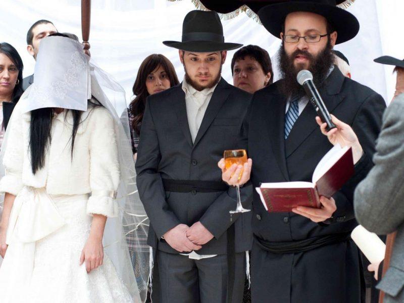 В Израиле суд раввинов отобрал у женщины дом за измену