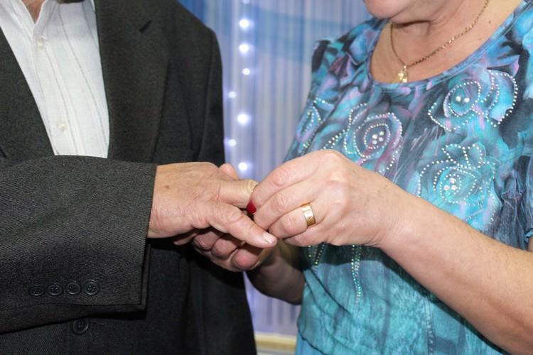 Супруги из Николаева отпраздновали сапфировую свадьбу