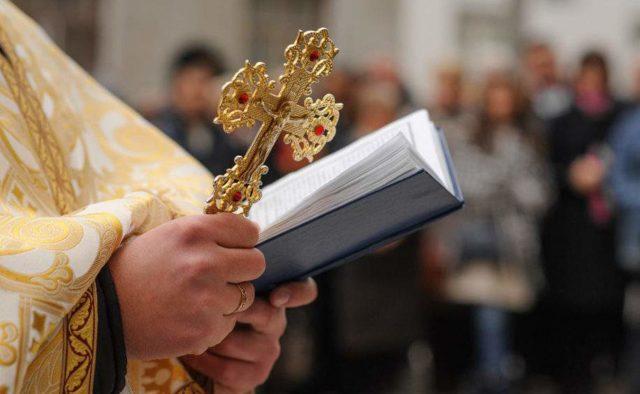 ПЦУ попросила Кабмин ослабить карантин для верующих