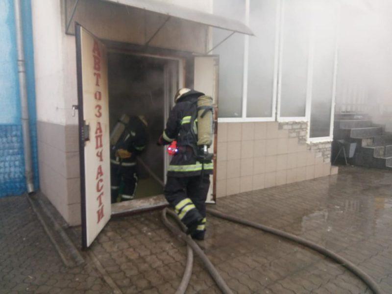 В Вознесенске горел автомагазин