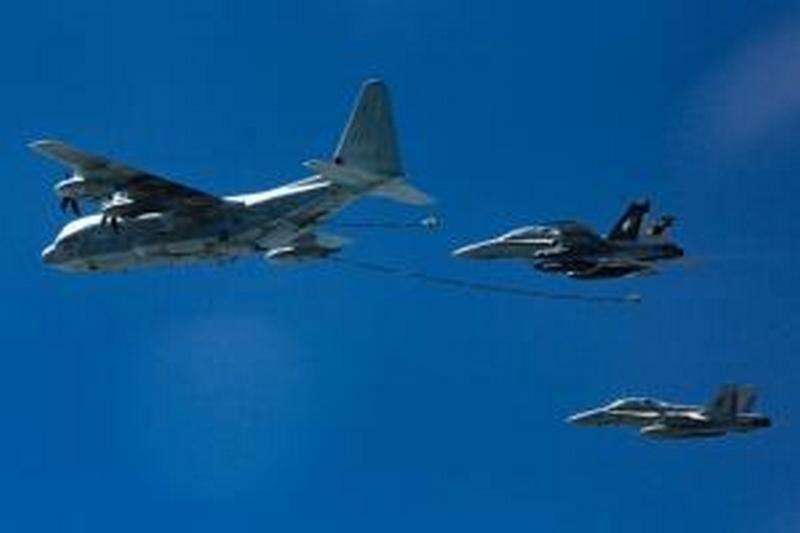 У берегов Японии столкнулись два американских военных самолета. Пока известно об одном выжившем