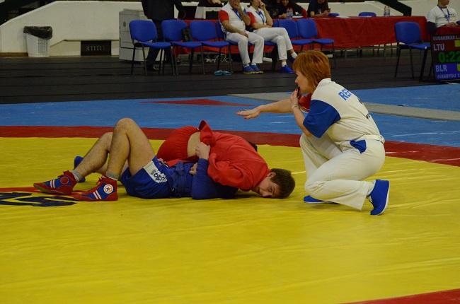 Николаевец стал чемпионом мира по самбо среди кадетов