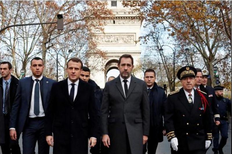 Во Франции рассмотрят возможность объявления ЧП из-за протестов против цен на топливо