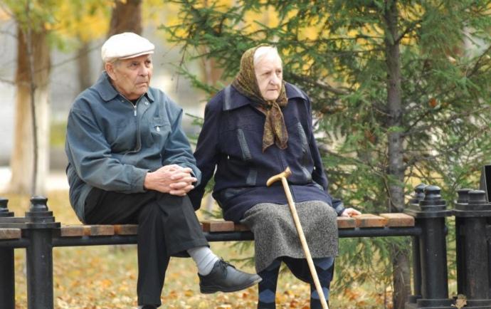 """Минсоцполитики хочет забрать у Укрпочты """"монополию"""" на доставку пенсий"""