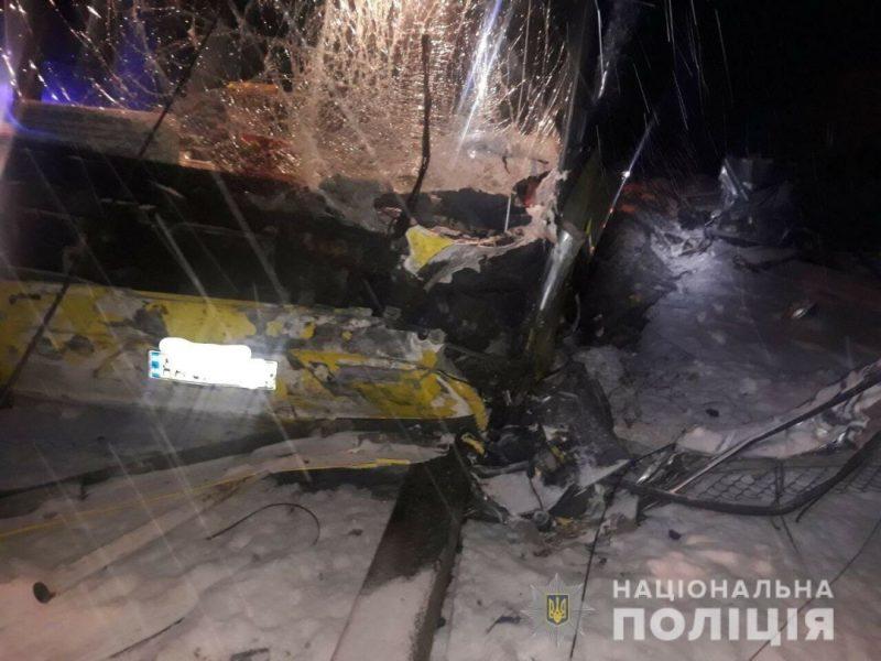 На Львовщине автобус разнес легковушку – четверо погибших