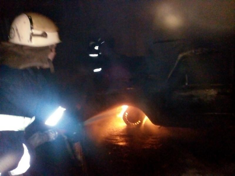 В Березнеговатском районе чуть не сгорела хозпостройка с «шестеркой»