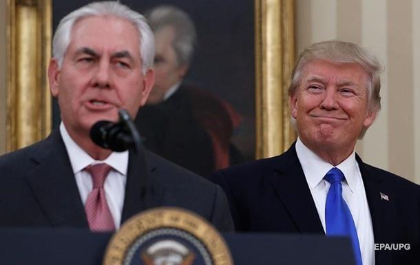 """Трамп назвал Тиллерсона """"глупым, как пробка"""""""