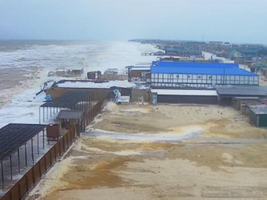 В Кирилловке разыгрался сильный шторм, ветер сносит крыши