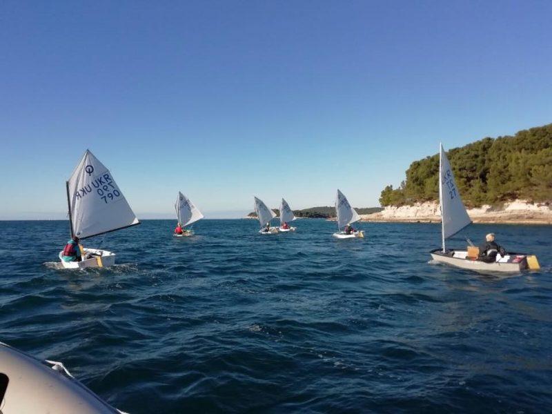 «Ну, Святой Николай, принеси нашим детям победы!»: юные яхтсмены из Николаева отправились на соревнования в Пулу