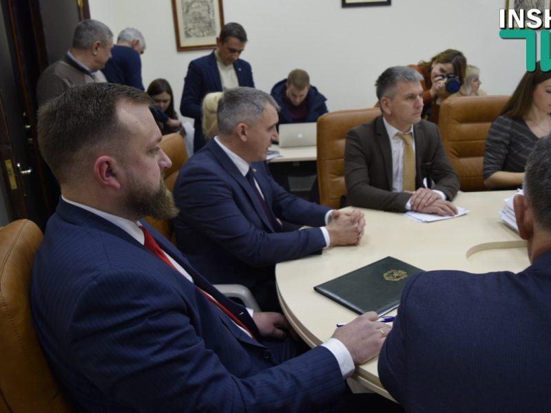 Бюджетная комиссия горсовета рекомендовала Сенкевичу внести изменения в проект бюджета на 2019 год, чтоб найти 165 миллионов для областных программ