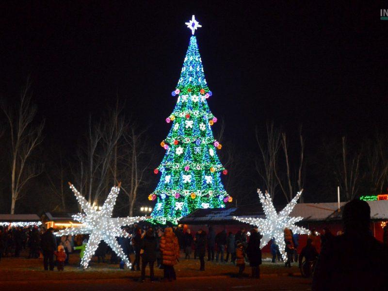 «Николаевская елка 2019»: на Соборной площади зажгли Главную городскую елку