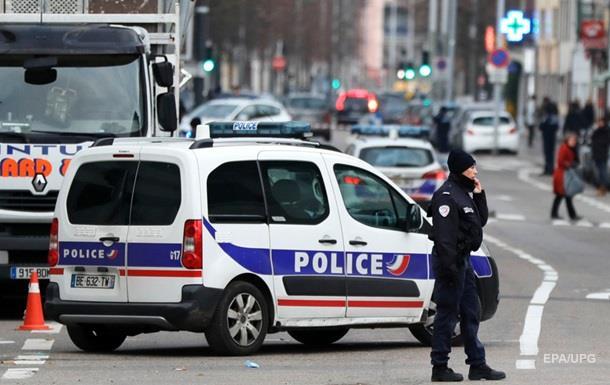 Во Франции 84-летний сторонник Ле Пен устроил стрельбу возле мечети