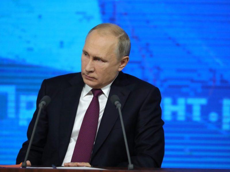 """Путин заявил, что """"не бросит Донбасс"""""""