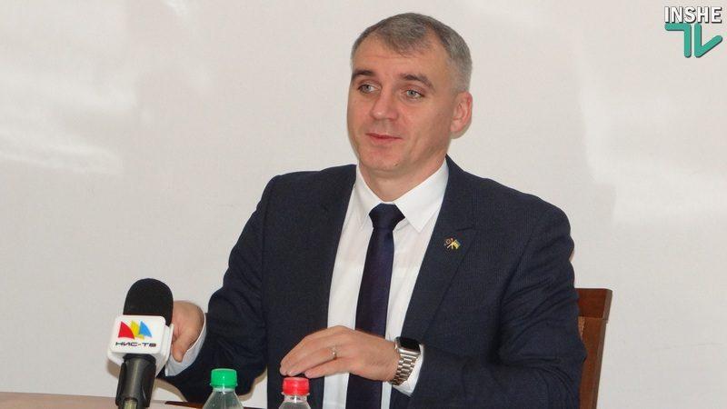 Зарплата мэра Николаева меньше, чем у начальников отделов. «Я мог бы претендовать на какой-нибудь религиозный сан», — Александр Сенкевич