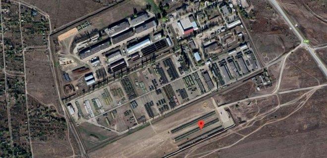 На снимки Google Earth попали сотни танков на границе с Украиной