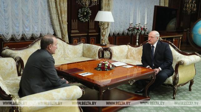 Лукашенко на встрече с Медведчуком назвал агрессию РФ на Донбассе «недоразумением»