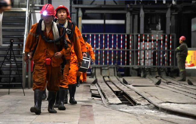 Обвал шахты в Китае: 21 горняк погиб