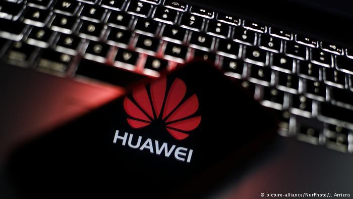 Польша может запретить использование продукции Huawei
