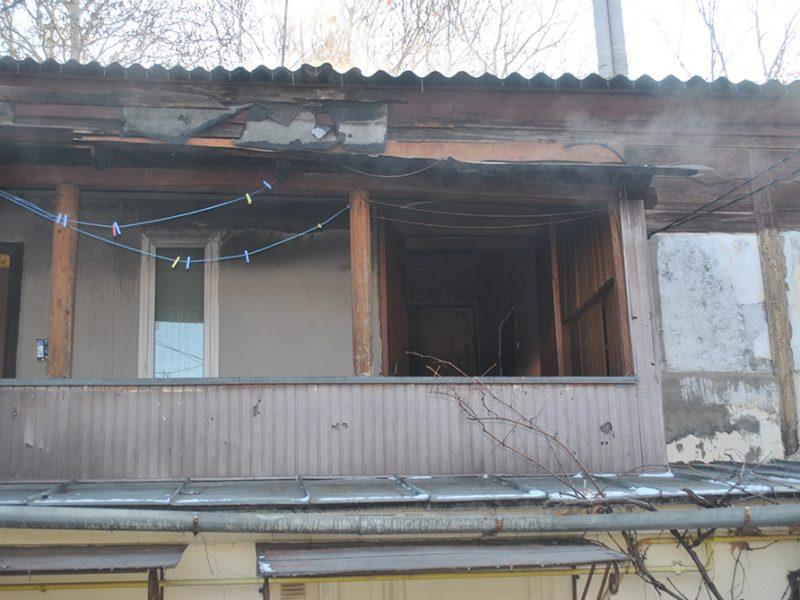 Во время пожара в Центральном районе Николаева пожарные эвакуировали трех жильцов дома – одного пришлось госпитализировать