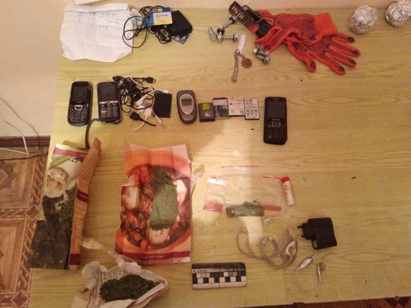 И переброской, и в посылке: в колонии на Николаевщине пытались «доставить» наркотики и мобилки