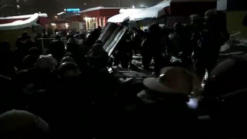 В Харькове обрушилась крыша торгового павильона: четверо пострадавших