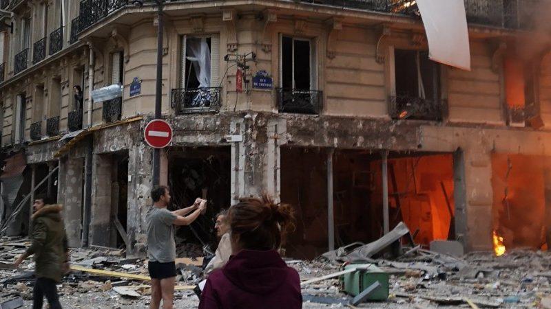 В центре Парижа произошел мощный взрыв, подозревают утечку газа