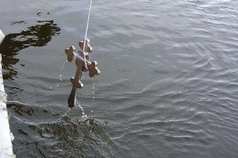 На водоемах дежурит почти 2 тысячи спасателей. МВД напоминает правила ныряния