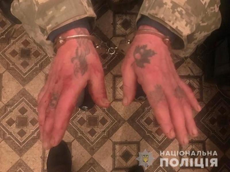 В Николаеве 36-летний рецидивист зарезал своего собутыльника, а потом попытался рассказать полицейским сказочку