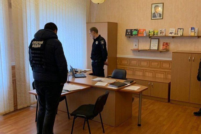 Задержание на взятке замначальника патрульной полиции в Николаеве: пока претензий к подчиненному, у которого он вымогал взятку, нет